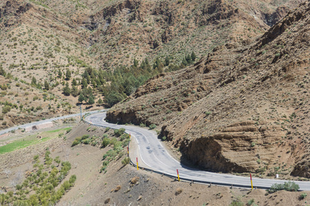 wold: Road in the valley from Marrakesh to Quarzazate in Morocco Stock Photo