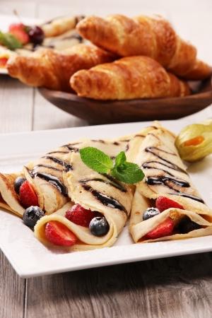 Delicious strawberry pancakes Stock Photo - 14590458