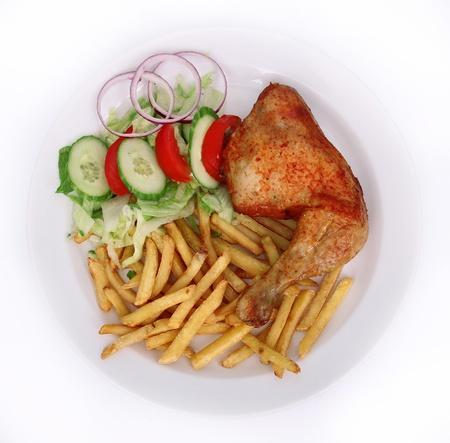 sandwiche: Chicken with french fries and vegetables