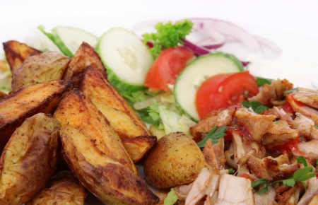 sandwiche: Gyros with american potatoes and vegetable