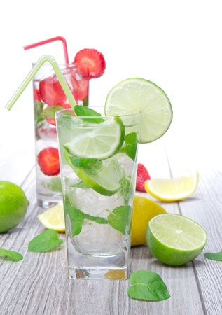 Mojito cocktail photo