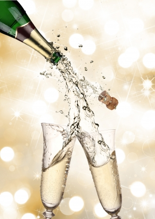 Paire de fl�tes � champagne faire un plongeon Champagne photo