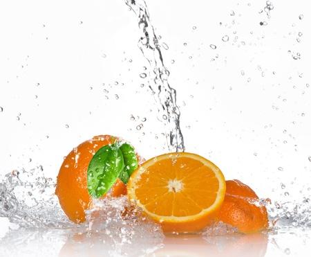 orange slice: Oranges with splashing water