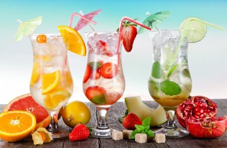 fruit drinks: Summer drinks on the beach