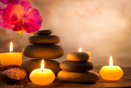 Spa still life con candele aromatiche