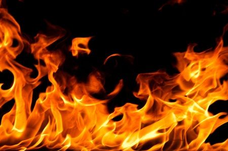 黒い背景に火の炎 写真素材 - 20736551