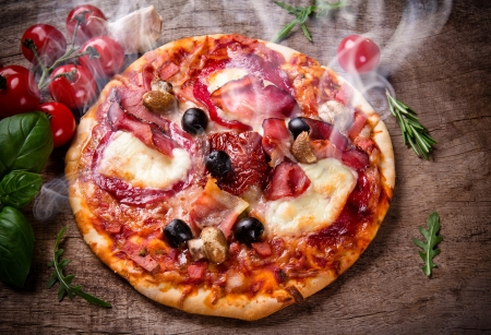 Delicious italian pizza served on wooden table Stok Fotoğraf - 21048484