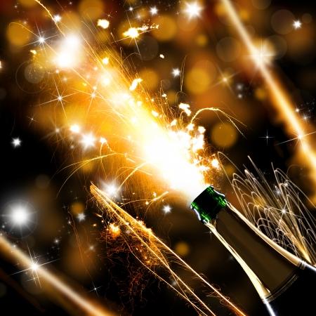 botella champagne: Primer plano de champagne explosion Tema de la celebración