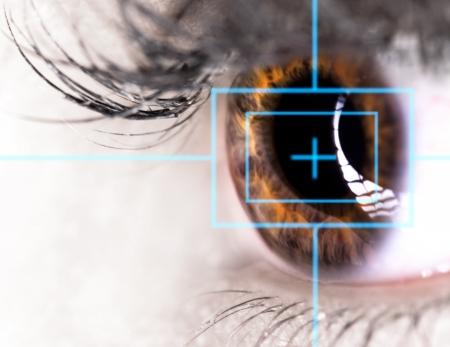 Beautiful Eye with laser, close-up  Zdjęcie Seryjne