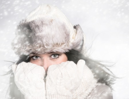 teeth smile: Portrait of attractive young woman in wintertime