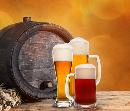 beer barrel: Still Life with a draft beer by the glass