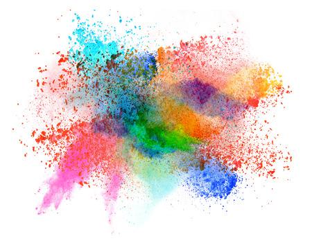 Lanceerde kleurrijke poeder, geïsoleerd op een witte achtergrond