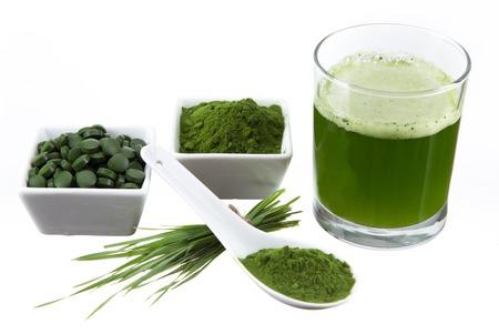 spirulina: Young barley and chlorella spirulina  Detox superfood  Stock Photo