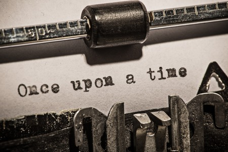 st german: Old vintage typewriter, close-up.