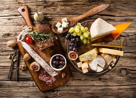 Verschillende soorten kaas, stilleven. Stockfoto