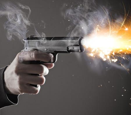 guns: Murderer with handgun