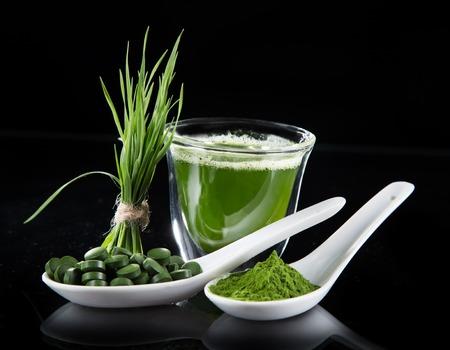 barley: Cebada joven y espirulina Chlorella. Superalimento Detox.