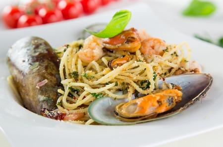 yegua: Italiano de pasta Aglio Olio frutti di mare, primer plano. Foto de archivo