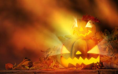 pumpkin: Scarry calabazas, jack-o-lantern, tema de Halloween. Foto de archivo