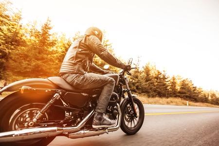 높은 전력 오토바이, 클래식 빈티지 스타일의 닫습니다.