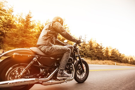 Primer plano de una motocicleta de alta potencia, estilo clásico de la vendimia. Foto de archivo - 47045954