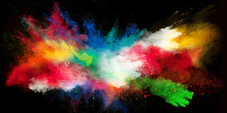 Lanciato polvere colorata, isolato su sfondo nero Archivio Fotografico - 47418308