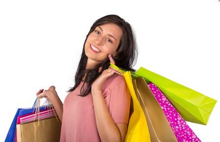 chicas de compras: Mujer hermosa con una gran cantidad de bolsas de la compra, primer plano. Foto de archivo