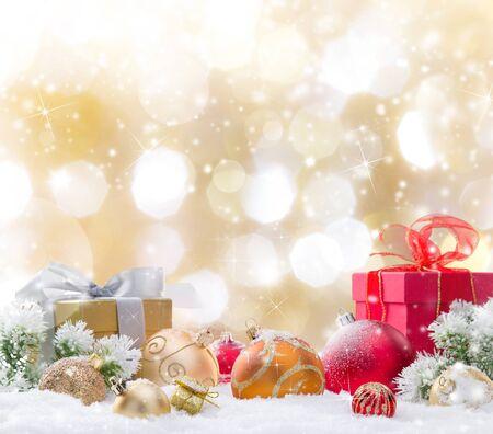 Weihnachtsdekoration auf abstraktem Hintergrund, Nahaufnahme. Standard-Bild