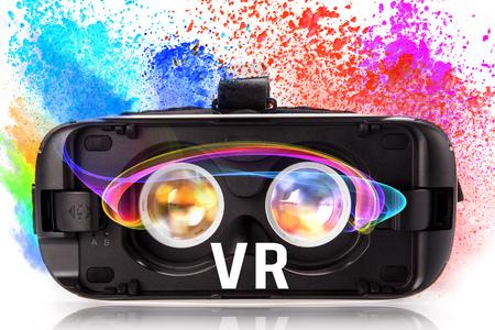 Gafas de realidad virtual VR con polvo de color. Foto de archivo