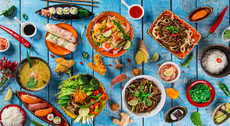 소박한 배경, 상위 뷰, 텍스트에 대 한 장소에 아시아 음식의 다양한. 스톡 콘텐츠 - 72768501