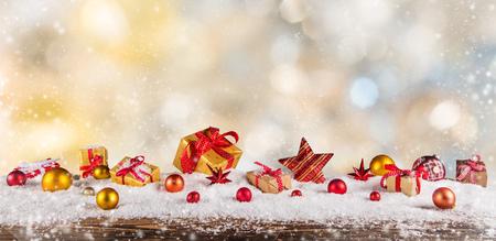 크리스마스 선물 추상 흐린 된 배경에 근접합니다. 스톡 콘텐츠