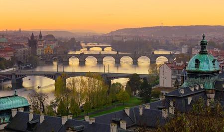 일출 동안 프라하 교량입니다. 중부 유럽, 체코 공화국.
