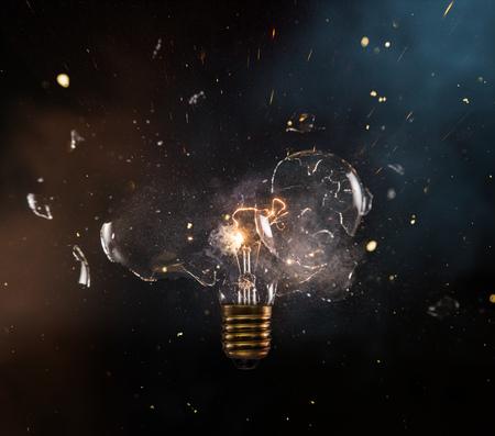 Real explosion of vintage electric bulb. Standard-Bild