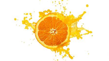 Frische Orangenscheibe mit Saftspritzer Standard-Bild