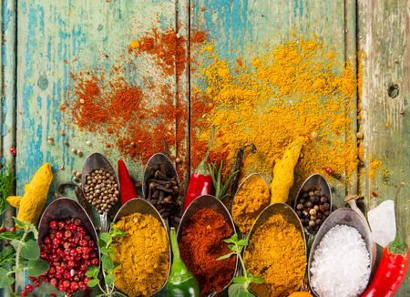 Various colorful spices on wooden table Zdjęcie Seryjne - 149855127