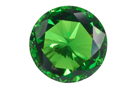 piedras preciosas: esmeralda vista frontal aislado en blanco