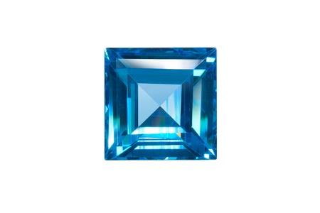 Blauen Saphir sqaure geschnitten isoliert auf weißem Standard-Bild - 15479015