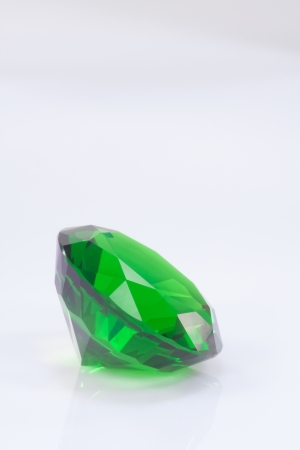 emerald round brilliant on white Stock Photo - 15479026