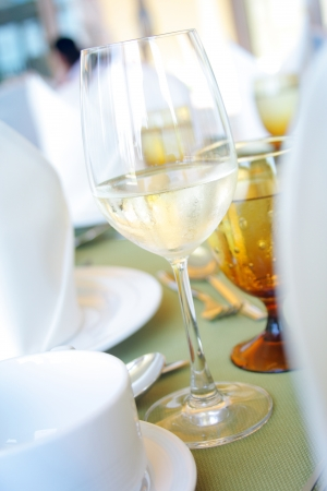 cloesup: cloesup wineglass setting on table