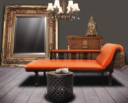 шик: старинные мебель, оформленные в гостиной Фото со стока