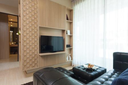 muebles de madera: estilo moderno de lujo de la decoración de la sala. Foto de archivo