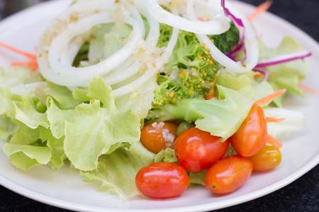 Einfach Salat, aber es ist sehr lecker.
