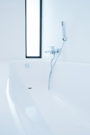 Badewanne sind für Neukunden bereit. Standard-Bild