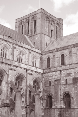 winchester: Cattedrale di Winchester, Inghilterra, Regno Unito in bianco e nero tonalit� seppia