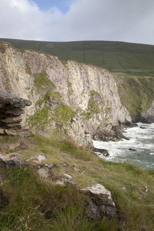 dingle: Cliffs at Dunquin, Dingle Peninsula, Ireland Stock Photo