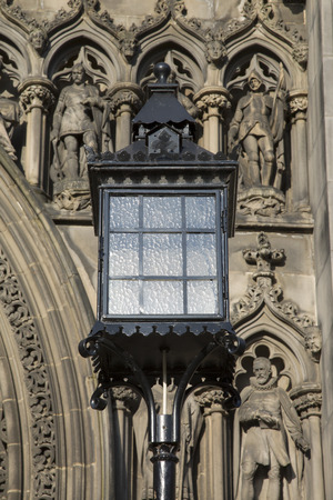 giles: Lamp outside St Giles Cathedral Church; Royal Mile; Lawnmarket; Edinburgh; Scotland Stock Photo