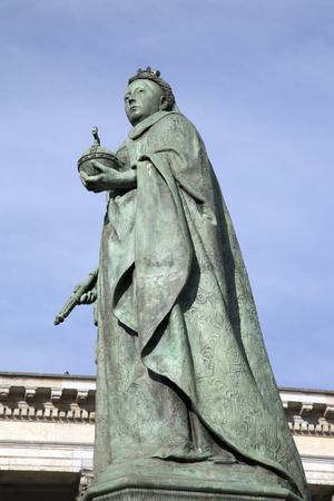 Queen Victoria Statue by Brock (1901), Birmingham, England, UK