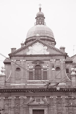 キエーザ マドンナ奉納物教会、黒と白のセピア色のトーンでモデナ, イタリア