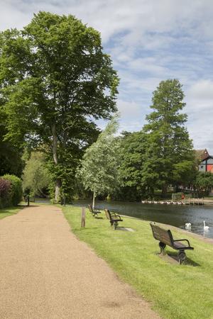 Footpath alongside River, Stratford Upon Avon, England, UK