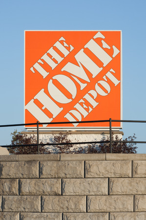 retailer: DARTMOUTH, CANADA - SEPT 28, 2014: The Home Depot is a home improvement retailer. It operates retail stores across the United States, all provinces of Canada and in Mexico.